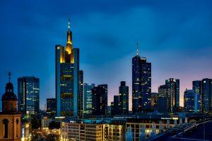 Niemcy: Firmy wpłaciły w ubiegłym roku 13,1 mld euro do swoich planów DB
